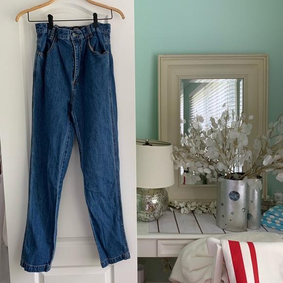 BDG Denim - Vintage-style BDG High Rise Mom Jeans!